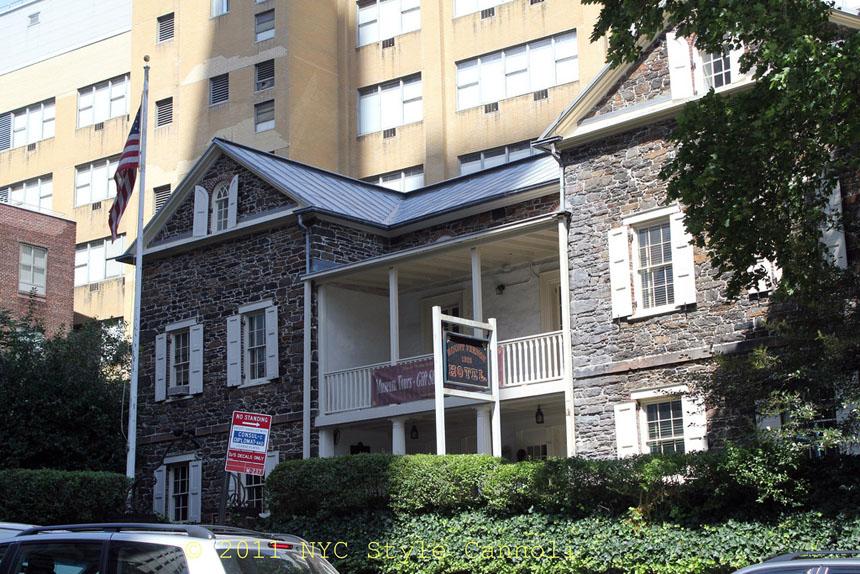 Historic Mount Vernon Hotel Museum